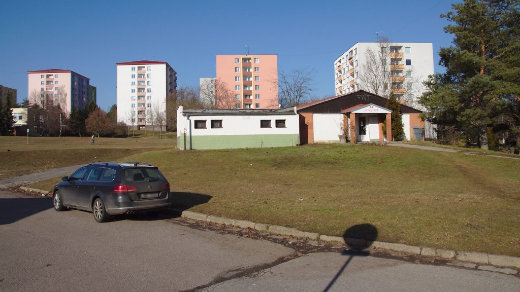 Budova s potravinami na Horním náměstí
